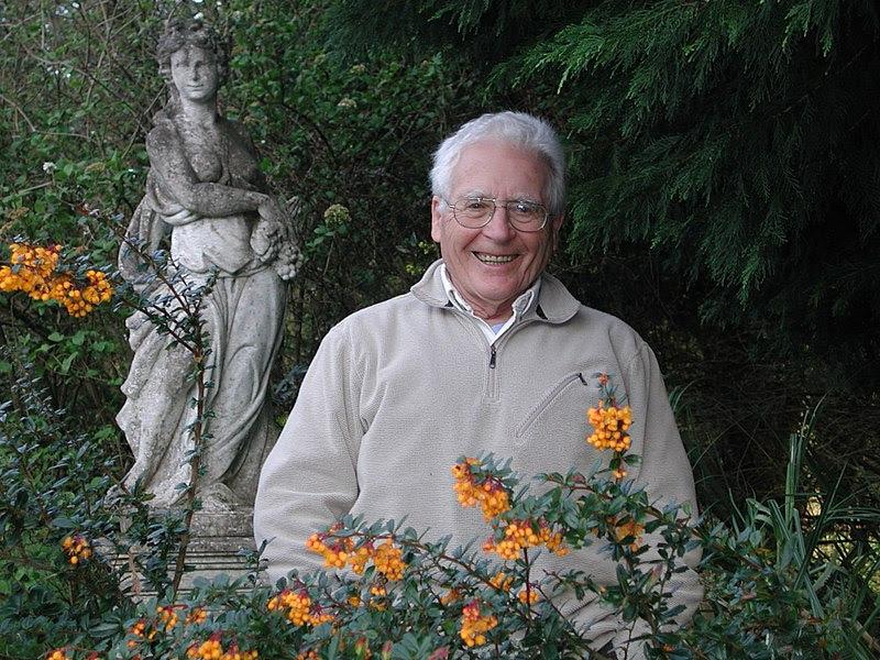 File:James Lovelock in 2005.jpg