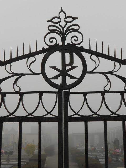 cancellata del vecchio ingresso del cimitero di Fratta Polesine