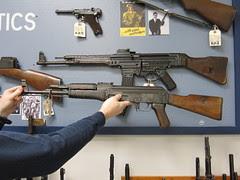 Kalashnikov did/did not copy this gun? Discuss.