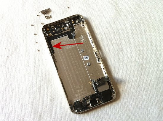 iPhone 5S disassembly stage 35
