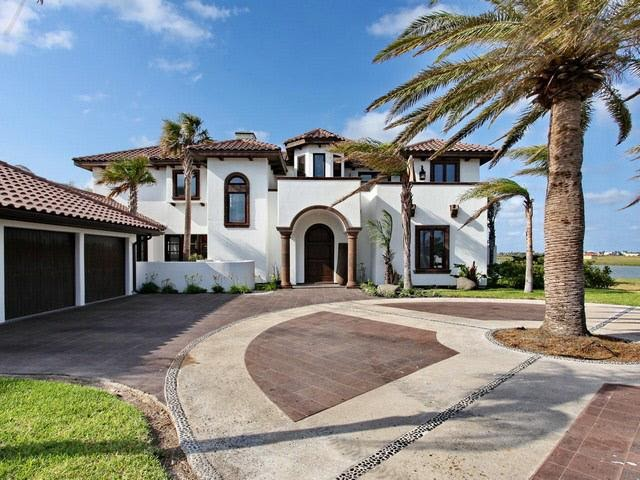 Celebrity homes it 39 s summer time in north texas beach for Coastal home builders texas
