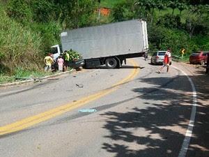 Acidente mata uma pessoa na Rodovia Pedro Cola (Foto: Foto Leitor/ A Gazeta)