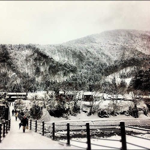 As I am suffering from the heat of Japanese summer, I yearn madly for the snow.