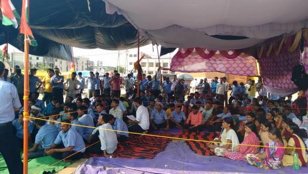 da http://proletaricomunisti.blogspot.it/ 22 settembre Più di 400 lavoratori impiegati nella fabbrica Bridgestone di Manesar sono stati illegittimamente licenziati da parte dei dirigenti dell'azienda dopo che gli operai hanno chiesto la […]