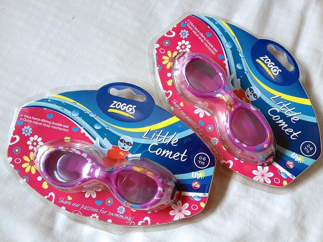 Zoggs kids' swim goggles