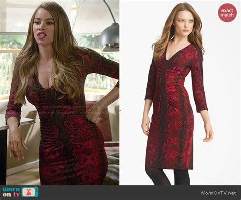 WornOnTV: Gloria?s red snake print dress on Modern Family