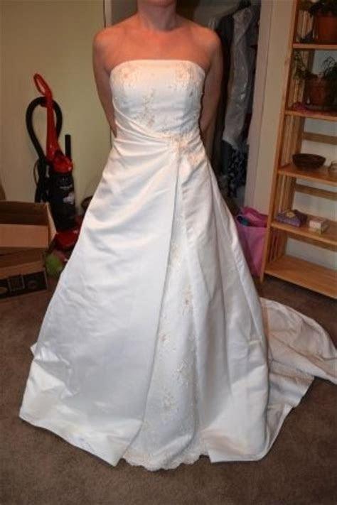 David's Bridal St. Tropez Style Number 5153 Wedding Dress