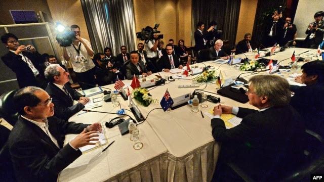 Các Bộ trưởng Thương mại và đại diện các nước tham dự phiên họp về Đối tác xuyên Thái Bình Dương TPP ở Singapore tháng 12, 2013.