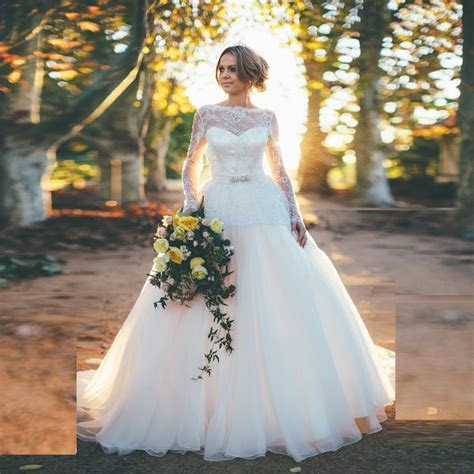 Fantastic Long Sleeve Wedding Dress with Open Back Ball