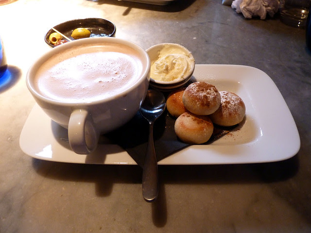 Hot choc and vanilla snow and cinnamon dough balls