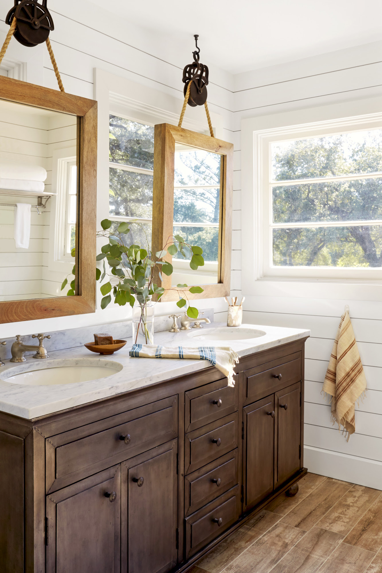 23 Bathroom Decorating Ideas - Pictures of Bathroom Decor ...