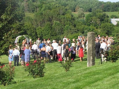 WEDDING CEREMONY SITES   Apple Hill Inn and Bed
