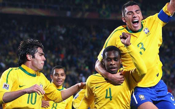7 Jersey/ Kostum Sepak Bola Terbaik 32 Tim Peserta Piala Dunia 2010