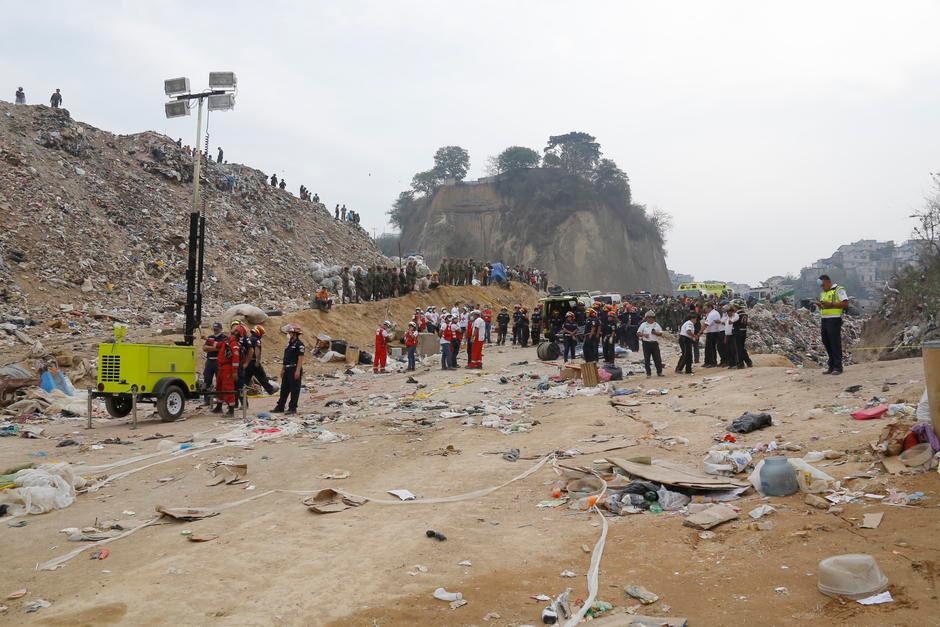 décharge effondrement GUATEMALA, dépotoir effondrement GUATEMALA, glissements de terrain dépotoir GUATEMALA, glissement de terrain tue 4 dépotoir Guatemala, Guatemala city ordures effondrements de vidage