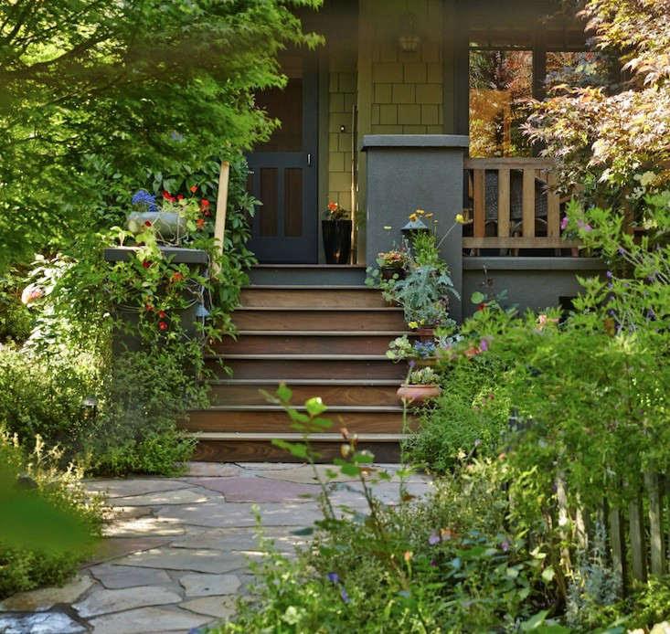 Lawn Begone: 7 Ideas for Front Garden Landscapes - Gardenista