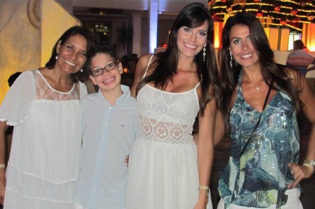 Talula, o filho Gabriel, a mãe Vilma e a irmã Luana (Foto: Divulgação)