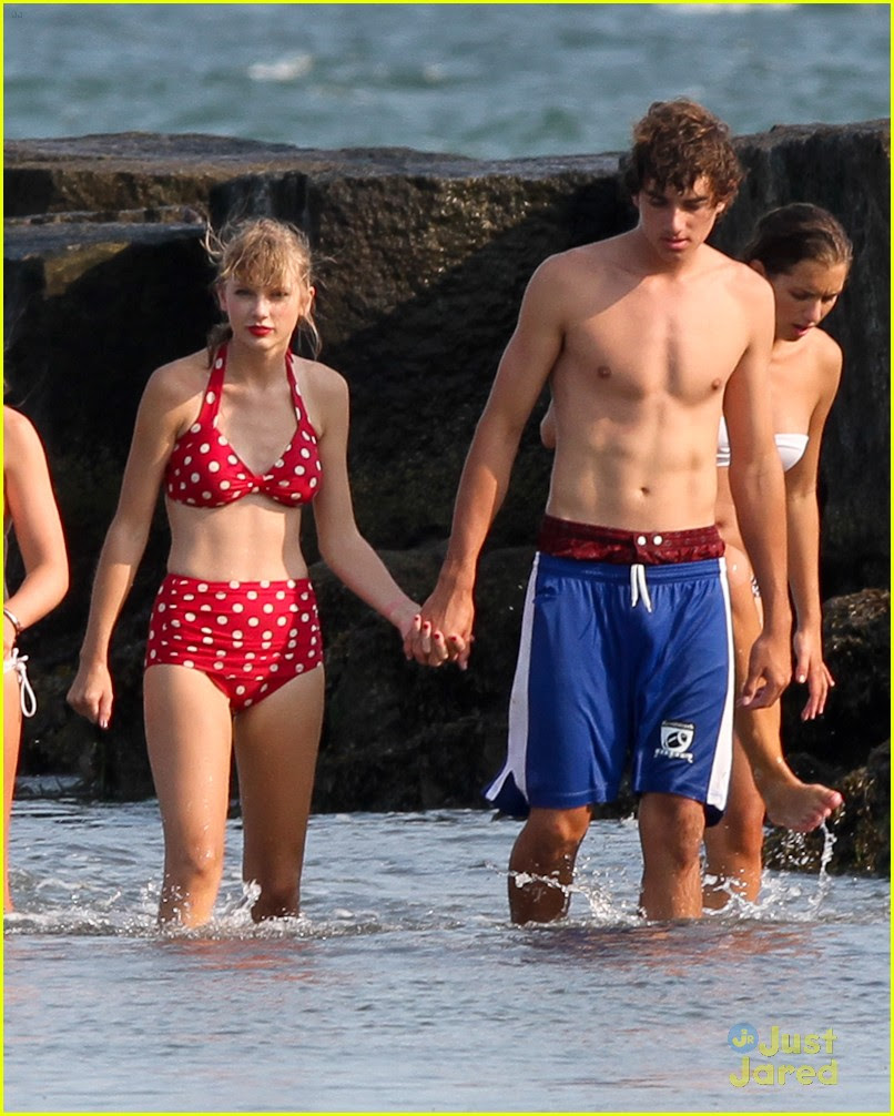 taylor swift conor kennedy beach day 10