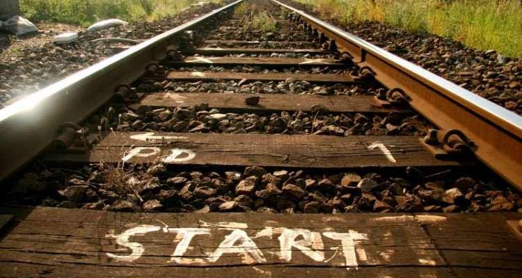 τρένο μονοπάτι γραμμές εκκίνηση αρχή δρόμος