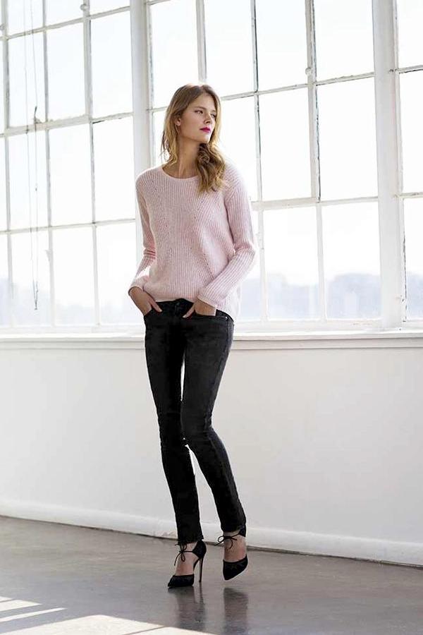Le Fashion Blog -- Constance Jablonski In A Pink Knit Sweater, Black Jeans Manolo Blahnik Tie Front Heels & Estee Lauder Pure Color Envy Sculpting Lipstick -- Via Garance Dore -- photo Le-Fashion-Blog-Constance-Jablonski-Pink-Knit-Sweater-Black-Jeans-Estee-Lauder-Pure-Color-Envy-Sculpting-Lipstick-Via-Garance-Dore.png