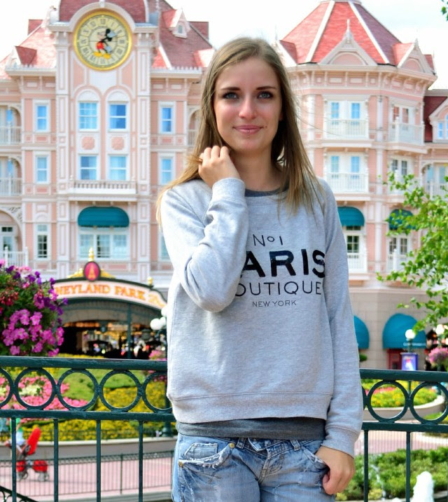 paris boutique mango sweater fashion blogger turn it inside out outfit outfitpost casual disneyland paris eurodisney birthday today celebrating
