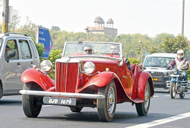 1920 Rolls Royce, 1949 Bentley make a beeline from Delhi to Greater Noida