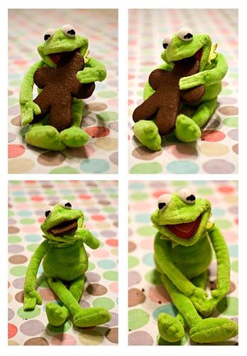 Kermit alle prese con un omino di pasta frolla!