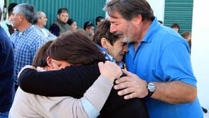 SIN CONSUELO. Familiares y amigos de las víctimas. (Carlos Carrión)