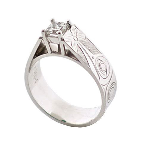 14k Hummingbird engagement ring. This is a stunning and
