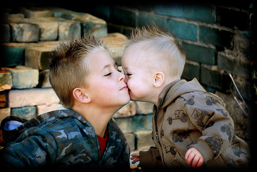 Brady and Bridger kiss cheek