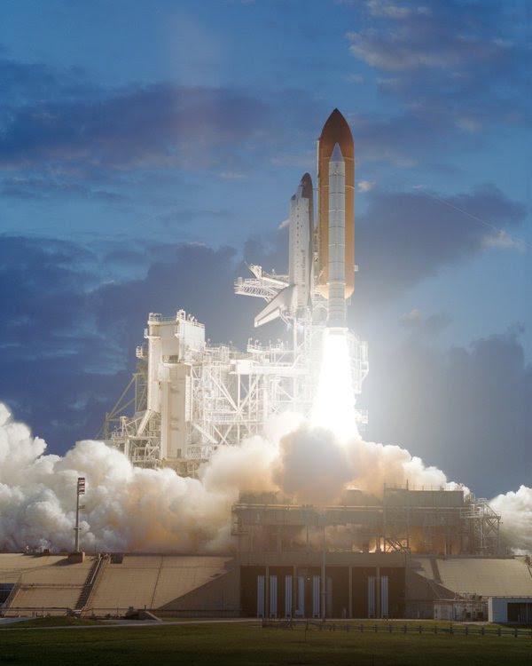 Dec05-2001-STS-108_liftoff