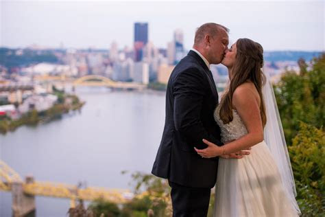Tinder Sparks a Love Match for This Pittsburgh Couple