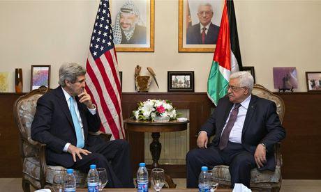 John Kerry (L) meets with Mahmoud Abbas in the Jordanian capital Amman