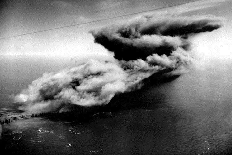 Angkatan Darat Inggris mempunyai surplus  besar amunisi dan materi peledak yang mulai membe Heligoland – Pulau Jerman yang Ingin Dilenyapkan Inggris