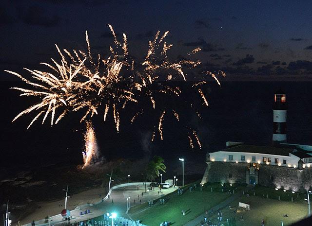 Nova orla foi entregue com fogos de artifício (Foto: Max Haack/ Agecom)