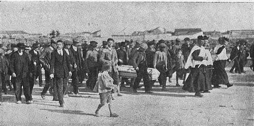 Entierro de las víctimas del accidente del avión AVRO en Sonseca en 1924. Diario El Castellano