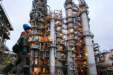 Бывший спецпредставитель президента по международному энгергетическому сотрудничеству Игорь Юсуфов хочет купить три нефтеперерабатывающих завода в Европе