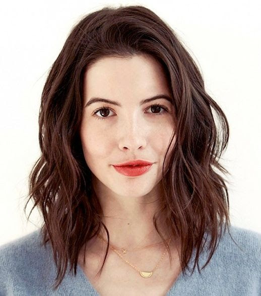24 Le Fashion Blog 25 Inspiring Long Bob Hairstyles Haircut Lob Wavy Brown Hair Red Lipstick Kat Collings Via Byrdie photo 24-Le-Fashion-Blog-25-Inspiring-Long-Bob-Hairstyles-Lob-Wavy-Brown-Hair-Red-Lipstick-Kat-Collings-Via-Byrdie.jpg