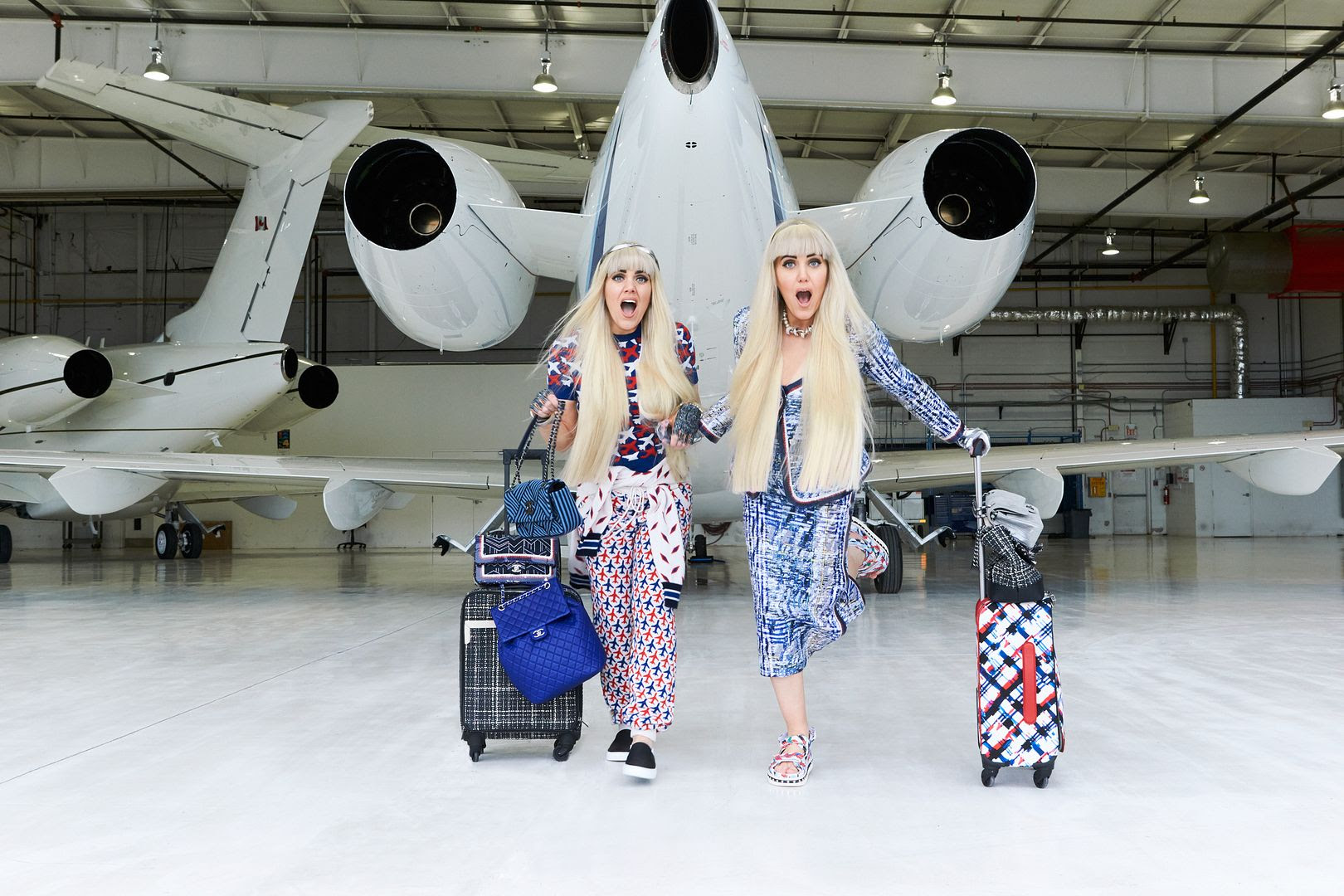 photo chanel-airlines-hangar-toronto-paris-beckermans-twins_zpse7ahidtj.jpg
