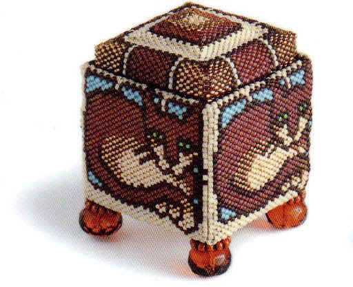 Beaded square box.  http://beads-making.com/beaded-square-box/