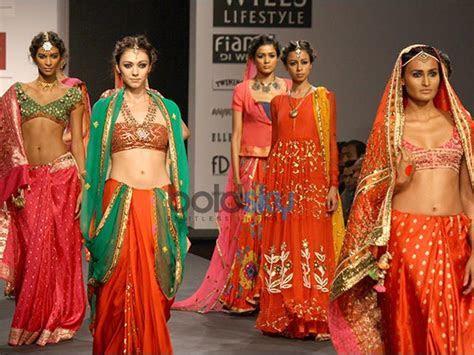 Indian Bridal Designers at the Wills India Fashion Week