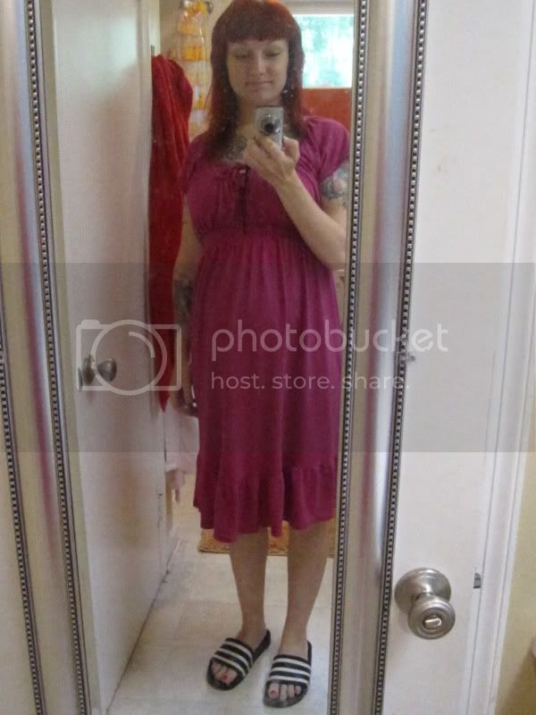 old navy maternity dress and adidias sandals