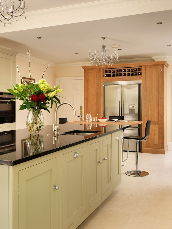 Harvey Jones kitchen painted in Farrow & Ball 'French Grey'