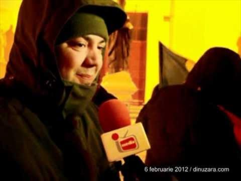 [VIDEO] Demisia lui Boc a dublat numărul protestatarilor din Suceava
