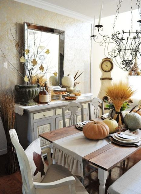 30 Beautiful And Cozy Fall Dining Room Décor Ideas - DigsDigs