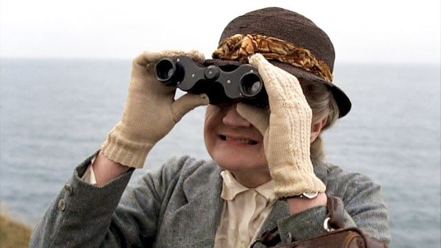 missmarple_askevans_binoculars