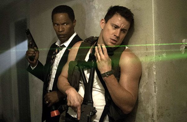 John Cale (Channing Tatum) is President Sawyer's (Jamie Foxx) only hope for survival after disgruntled U.S. soldiers storm the White House in WHITE HOUSE DOWN.
