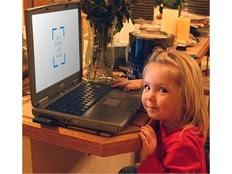 Η τρίχρονη Pipi από τη Νέα Ζηλανδία κέρδισε έναν εκσκαφέα σε δημοπρασία του site TradeMe, χρεώνοντας τη μητέρα της με περισσότερα από 17.200 ευρώ.