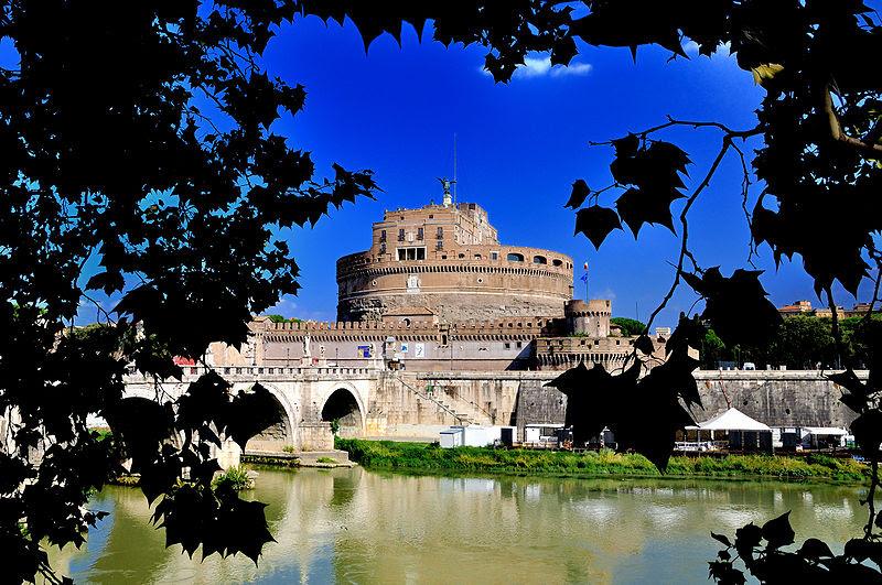 File:Castelsantangelo.scorcio.jpg