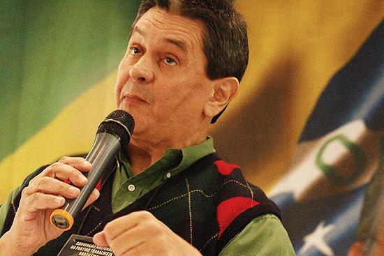 Presidente do PTB e deputado cassado, Roberto Jefferson, em convenção nacional do partido na eleição de 2010