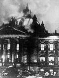 Chamas queimam o Reichstag